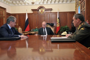Sergey_Shoigu,_Vladimir_Putin,_Valery_Gerasimov_(2013-01-29)_The Presidential Press and Information Office