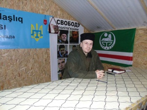 Adam Osmajev ve štábu blokády Krymu v Čonharu. Foto: Adam Osmajev via Facebook