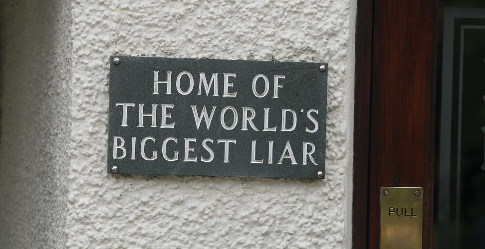 Worlds Biggest Liar Alan Cleaver cr