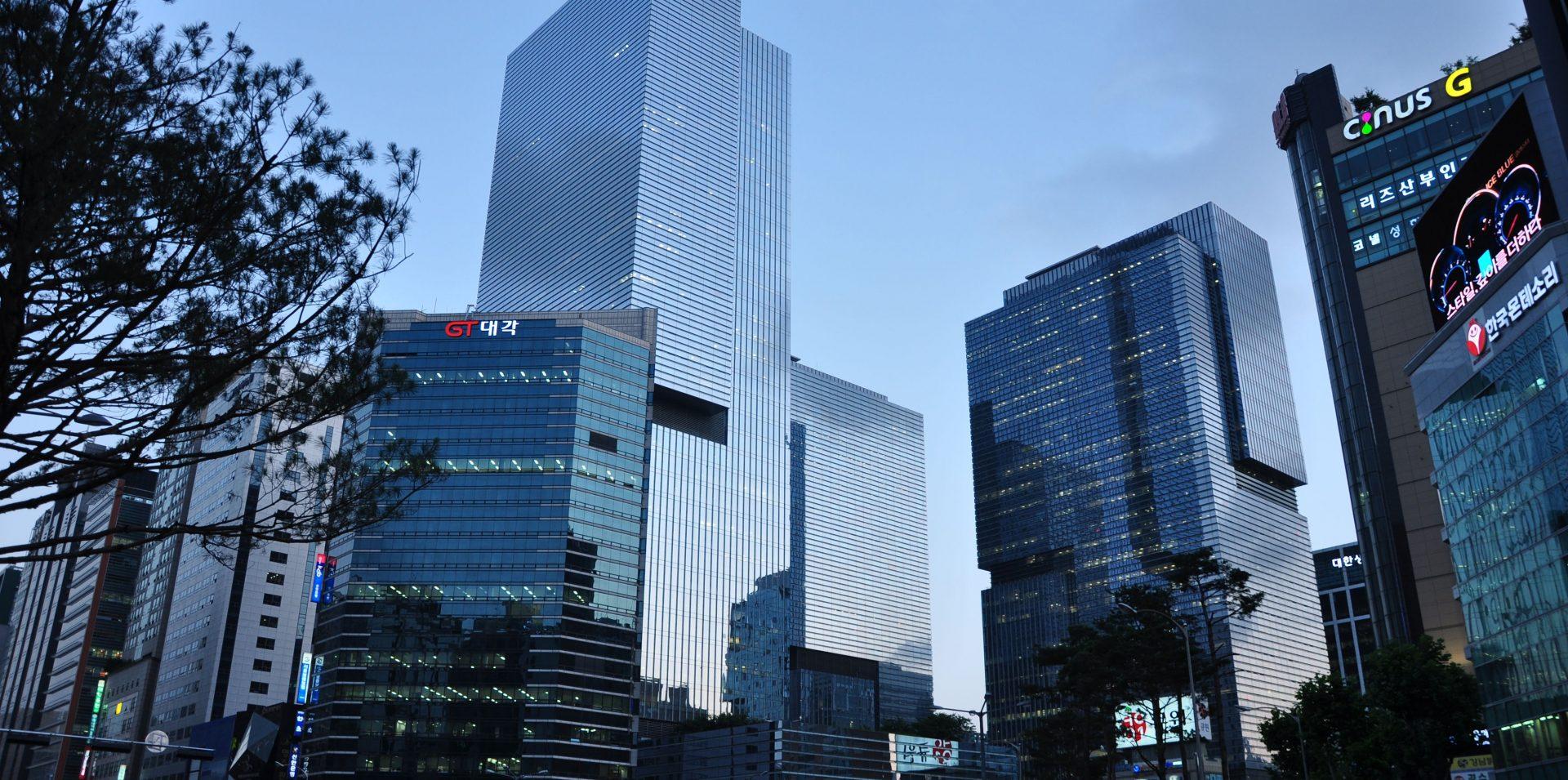 4096px Samsung headquarters e1463580530117
