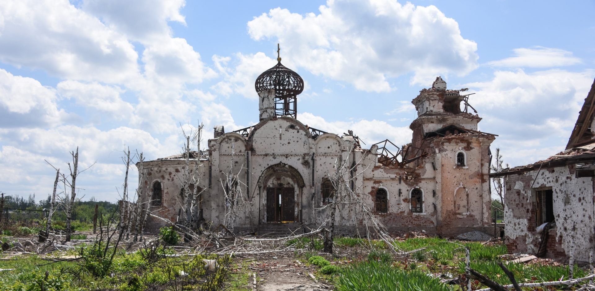 Remains of an Eastern Orthodox church after shelling near Donetsk International Airport e1464008003585
