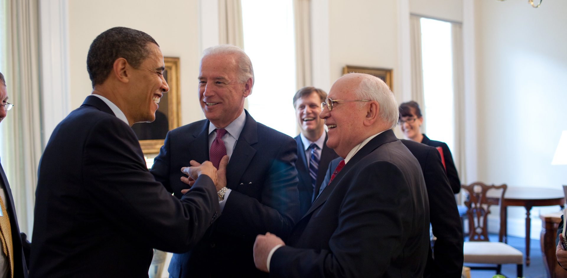 Barack Obama  Joe Biden with Mikhail Gorbachev 3 20.09 e1465196598250