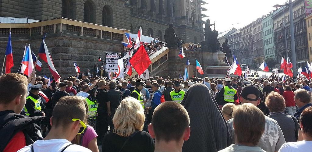 Anti imigration rally Prague Novis M commons.wilimedia.org  e1469538537841