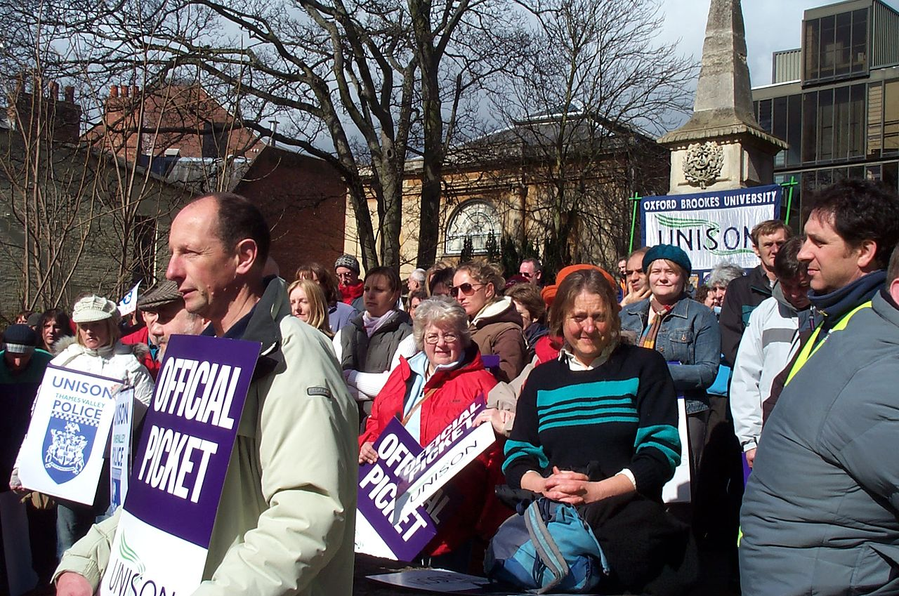 A rally of the trade union UNISON in Oxford by Kaihsu