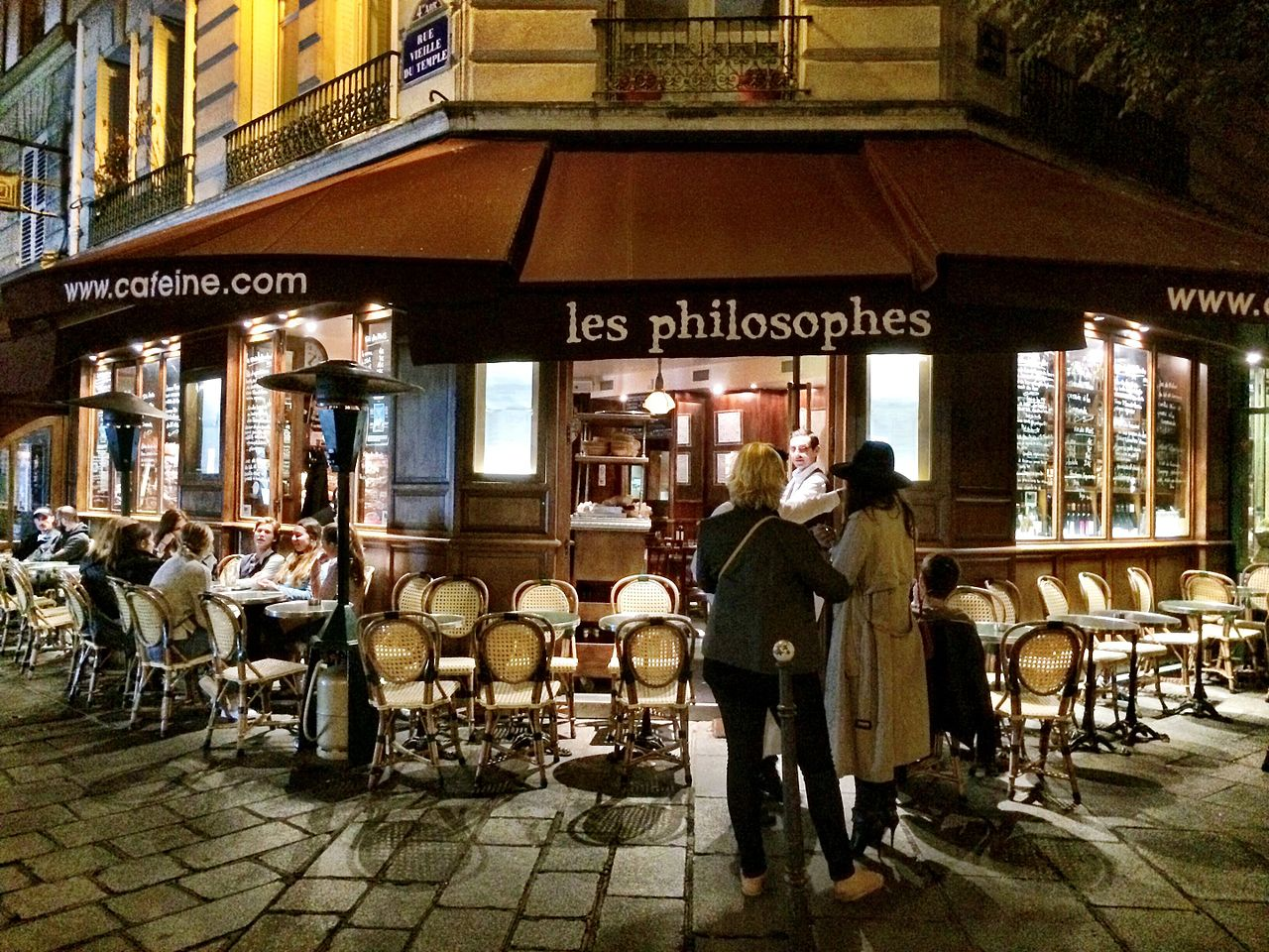 Les Philosophes Restaurant Rue Vieille du Temple Paris photo Guy Courtois