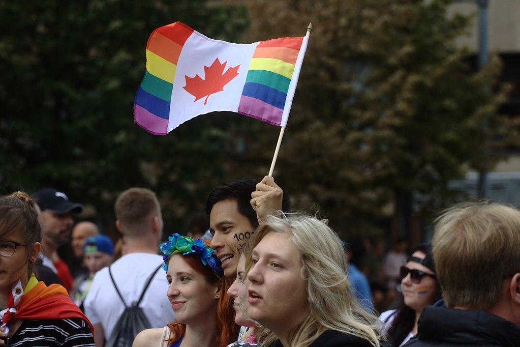 Pochod Prague Pride v srpnu 2017, foto Aktron, Wikimedia Commons