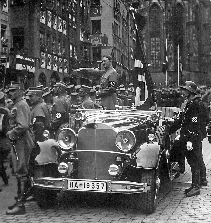 Hitler, Nürnberg,1935, Charles Russell Collection, NARA