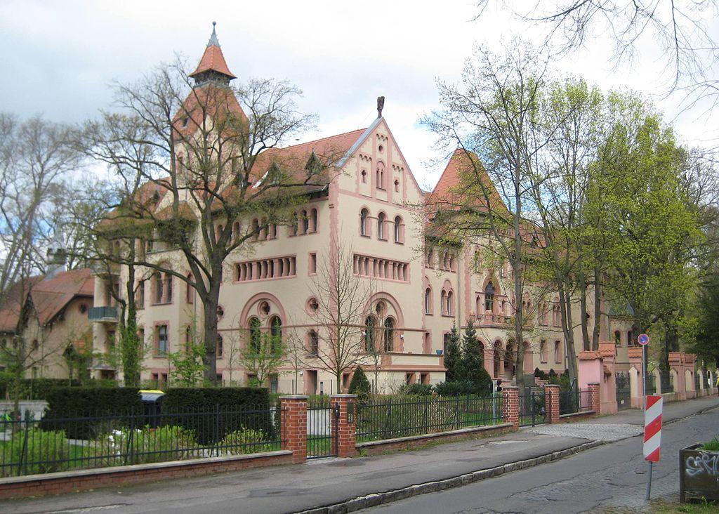 Palác císařovny Augusty v Potsdamu do r. 1994 západoevropská centrála GRU Giorgio Michele