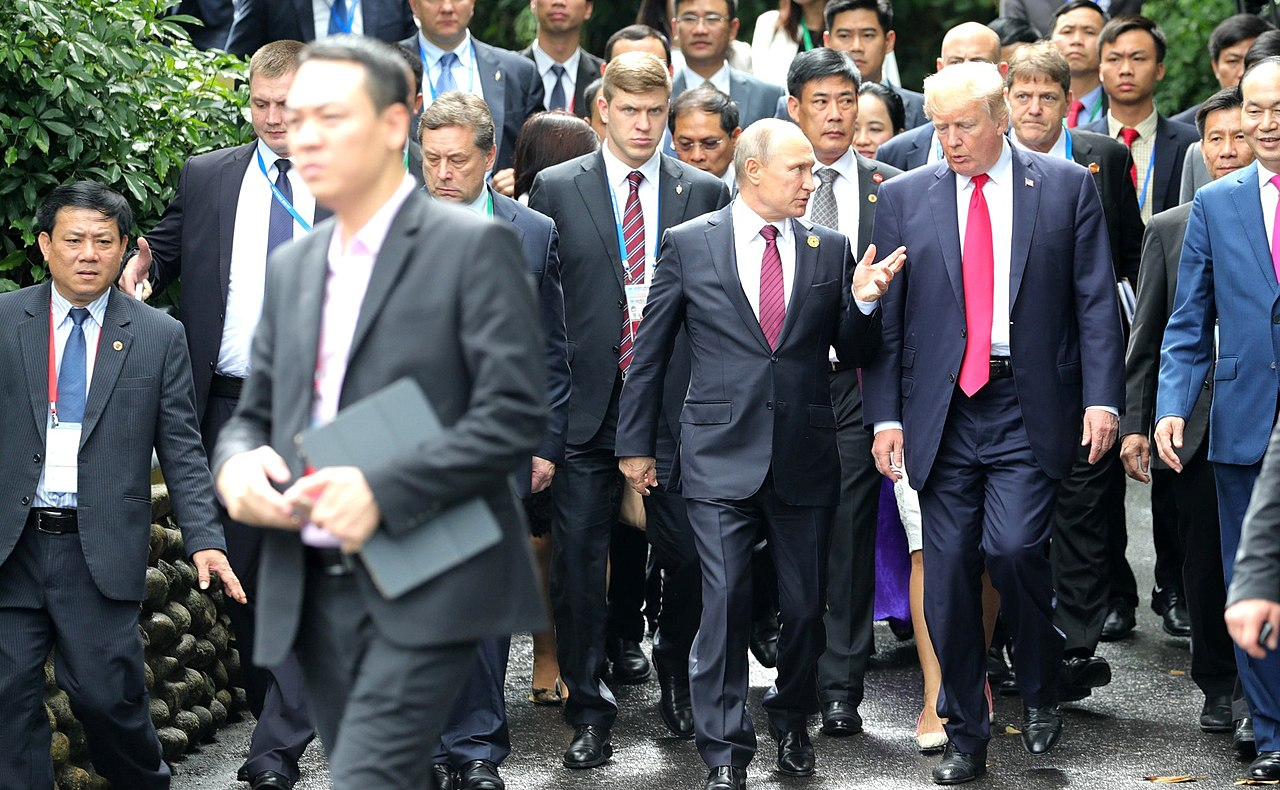 Vladimir Putin Donald Trump at APEC Summit in Da Nang Vietnam by kremlin.ru