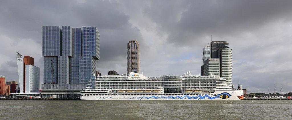 Rotterdam Port by Martin Falbisoner