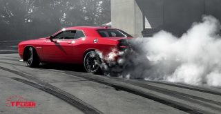 2015 dodge srt challenger hellcat burnout